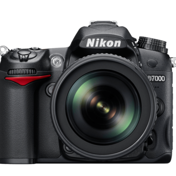 Rent Nikon D7000 with 16-300 mm lens, memory card, batteries  & charger