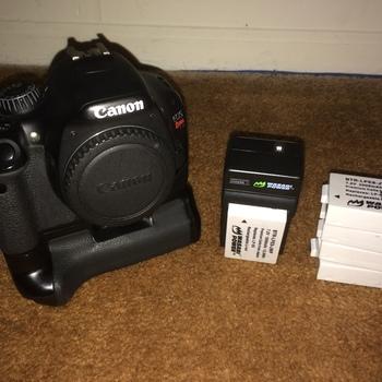 Rent Canon Rebel T2i