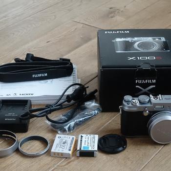 Rent Fujifilm X100S