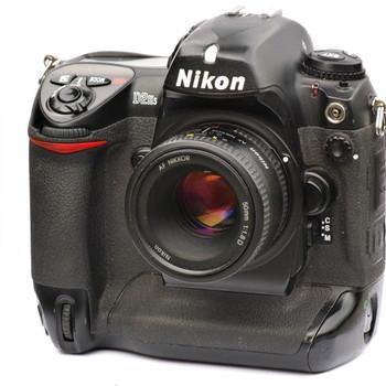 Rent Nikon D2Hs