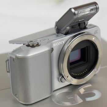 Rent Sony NEX-3