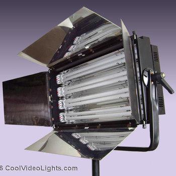 Rent CL-455 COOL LIGHTS 4 X 55 WATT FLUORESCENT VIDEO SOFT LIGHT