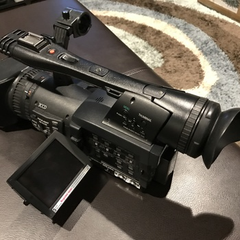 Rent Panasonic HPX170 w/ P2 cards, LED light and 2 batteries