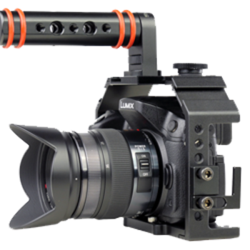 Rent GH4 + 2 Lenses (12-35mm + 35-100mm) + Cage