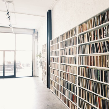 Rent Library space for daily photoshoots