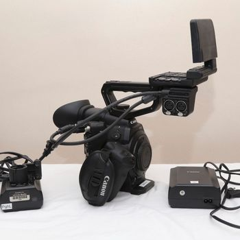 Rent Canon C300 w/4 batteries, charger, AC Adapter