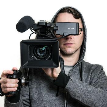 Rent Sony PXW-FS5 w/ E PZ 18-110mm f/4 G OSS (RAW Enabled)