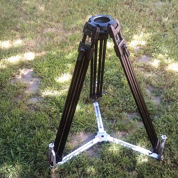 Rent Arri / RED / 16mm film  AKS tripod support 5-piece package for heavier Cine camera systems