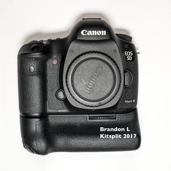 Rent Canon 5DM III with BG-E11 Battery Grip