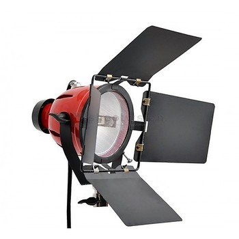 Rent 800 watt 3-light kit complete with stands and daylight conversion filters
