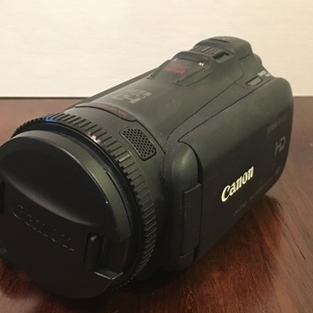 Rent Canon VIXIA HF G20 w/ batteries