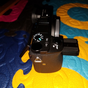 Rent Sony a6500 with 2 batteries