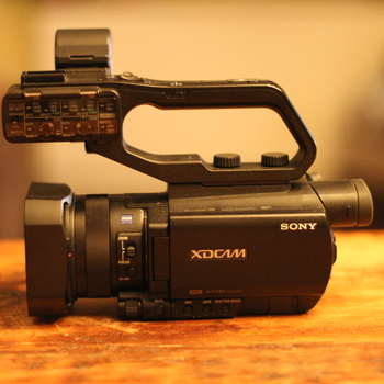 Rent Sony X70 Kit: Pro Low Budget Documentary Package