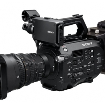 Rent Sony FS7II camera with Sony E PZ 18-110 f/4 lens