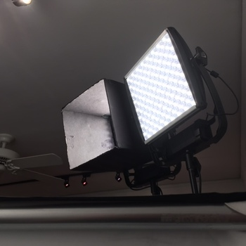Rent Bi-color Astra Litepanel; with Bluetooth or DMX module
