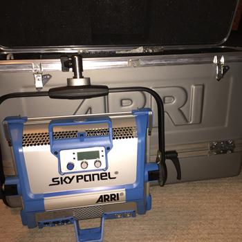 Rent ARRI SkyPanel S30-C basic kit