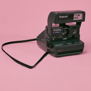 Rent Polaroid One Step Close Up 600 Camera