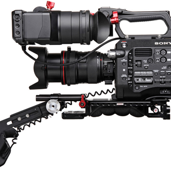Rent Sony Fs7  with Canon 24-105 lens kit