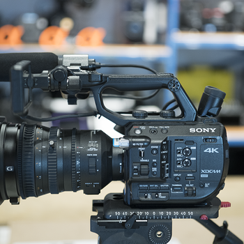 Rent PXWFS5 Basic Kit w/ 18-110 Lens