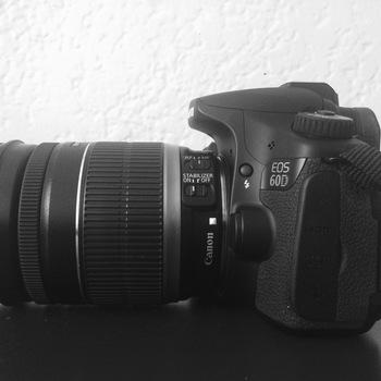 Rent Canon 60D + 18-200 mm lens