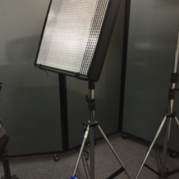 Rent CUSH Light 2 BI-color w/ Light Stand and diffusion
