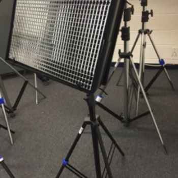 Rent CUSH Light 1 BI-color w/ Light Stand and diffusion