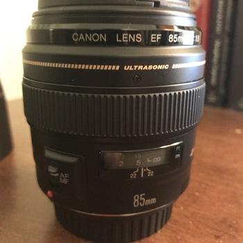 Rent 85mm f/1.8