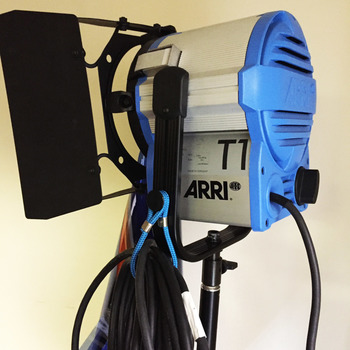 Rent ARRI T1 Location Fresnel w/ Stand/Gels/Sandbag/more - 1000 Watts, Stand Mount (Arri 1k)