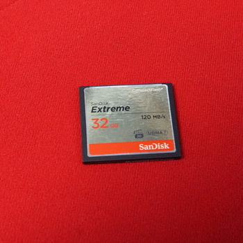 Rent SanDisk 32GB Extreme Compact Flash Memory Card