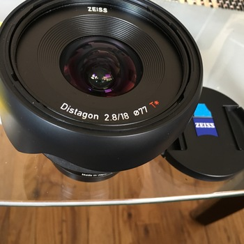 Rent Zeiss 2.8 18MM - SONY E-MOUNT - Super wide and light lens