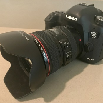 Rent Canon EOS 5D Mark III - 24-105 EF Lens and accessories