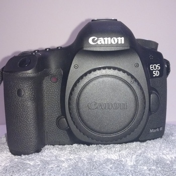 Rent Canon 5D Mark III, 3 batteries, 128GB memory, 24-105mm F4 USM Lens