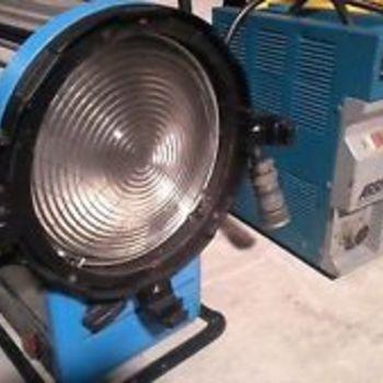 Rent ARRI - 1200 Watt HMI Compact Fresnel