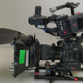 Rent Canon C100 Cinema Camera Kit / tripod /Mic /Lens