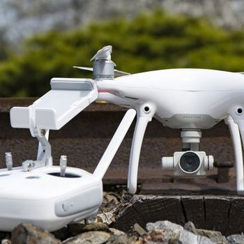 Rent DJI Phantom 4