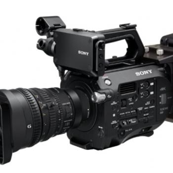 Rent Sony FS7 with Motorized Zoom (F4 18-110)