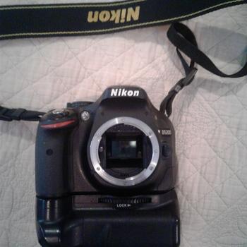 Rent Nikon D5200