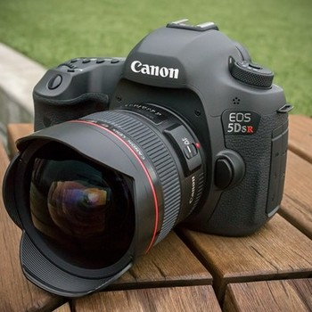 Rent Canon 5D MK III with 4 LENS, TRIPOD, MEDIA CARD x2, BATTERY x4