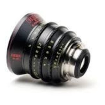 Rent RED PRO 17-50mm