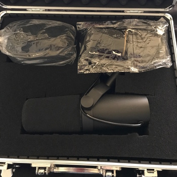 Rent Shure SM7b Microphone