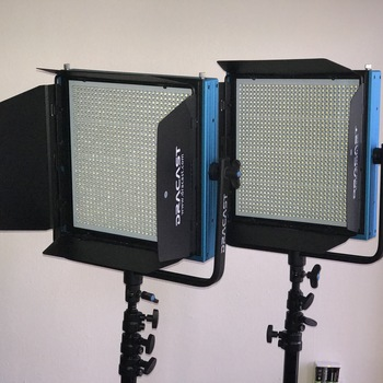 Rent Dracast 2 Light Kit with Travel case and Stands
