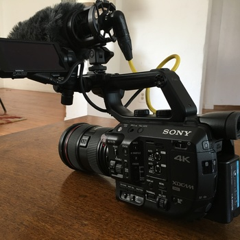 Rent Sony FS5 Doc Kit (Metabones adapter + Lenses + Mic)