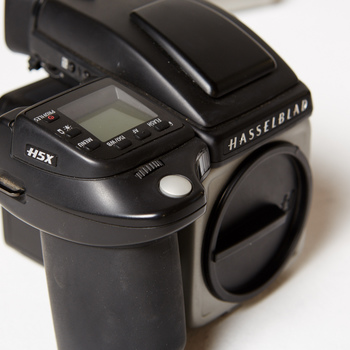 Rent Hasselblad H5X with Phase One IQ250 Digital Back and lens kit