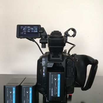 Rent Sony fs5 + speed booster to canon + 2 batteries + 2 64gbs