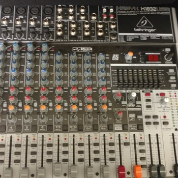 Rent Premium 18 input 3/2-bus mixer