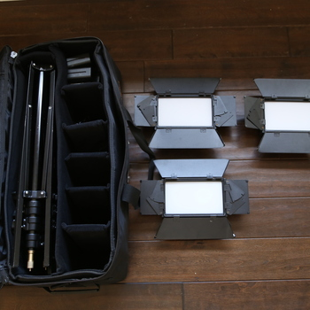 Rent Portable Ikan Set of 3 LED lights - Easy to assemble, great for interviews