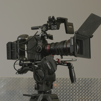 Rent Canon C300 & Canon 30-105mm w/ Wireless video & Wireless focus Kit