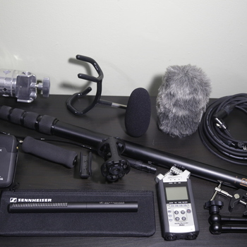 Rent Production Sound Kit w/ Sennheiser MKE-600 Shotgun Mic with Boompole, Bag & Shockmount, Rodelink wireless lav -  Complete HDSLR Kit