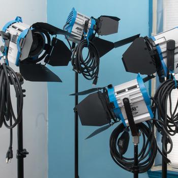 Rent Arri/Dracast 7-Light Kit w/ Bicolor LED Panels (3), Arri T1 1K (1), 650w (2) and 350w(1)