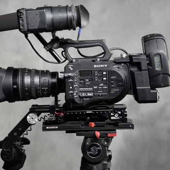Rent Sony PXW-FS7 w/28-135 f/4 Lens and XDCA  V-Mount ext. Back